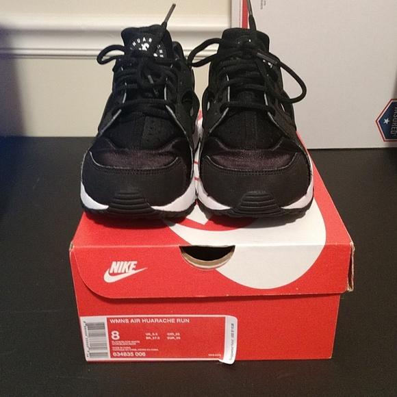 Nike Shoes | Nike Air Huarache Run W